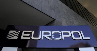 الشرطة الأوروبية تفكك عصابة لتهريب المهاجرين إلى أوروبا الغربية من خلال رومانيا
