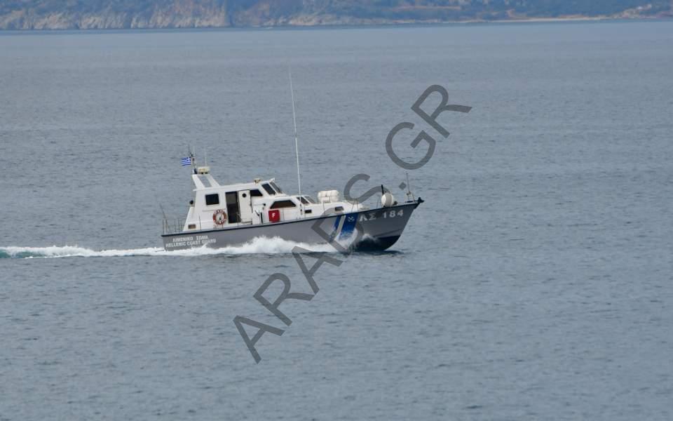 خفر السواحل اليوناني ينقذ 658 مهاجراً منذ صباح الجمعة حتى الإثنين