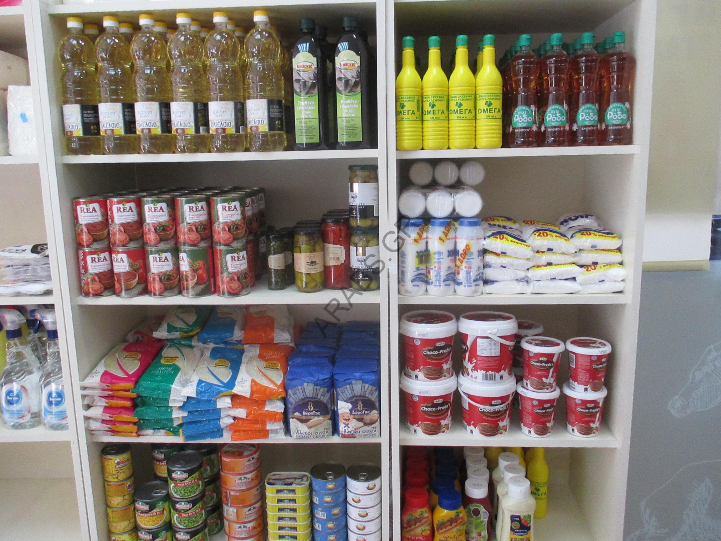 """جزارة """"ألفا"""" في وسط أثينا تقدم عروض خاصة على جميع أنواع اللحوم"""
